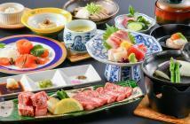 【味覚】モモ肉とサーロインの2種類(150g)を食べ比べ!厳選和牛のサイコロステーキ会席プラン