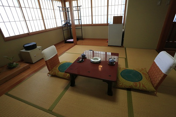食湯館 和室6畳 檜風呂付客室